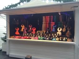 Le chalet des écharpes bijoux vous propose une large sélection de foulards. Composez vous-même votre écharpe bijoux à votre convenance et selon votre goût