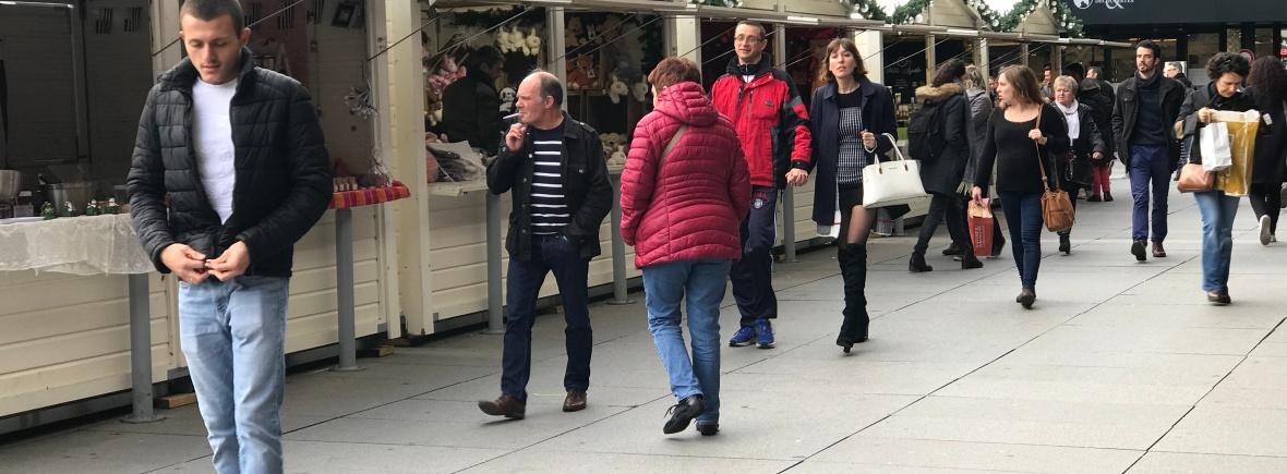 Allée du marché de Noel de Rennes