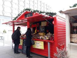 exposant alimentaire au marché de noël de rennes