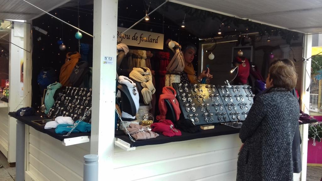 bijou foulard cadeau femme marché de noël de rennes